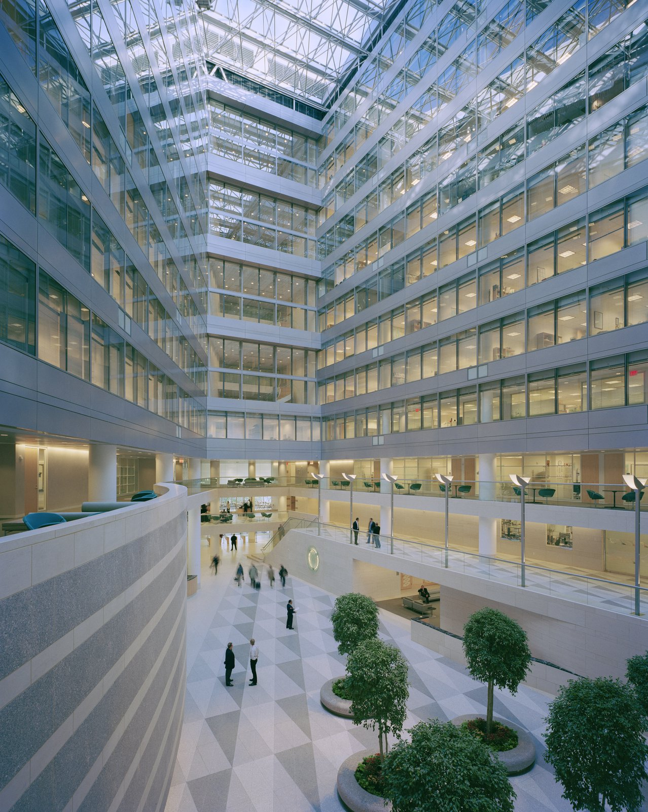 International monetary fund headquarters 2 pei cobb freed partners material transparency emphasizes a feeling of openness upon entry a grand skylit central atrium brings natural light to interior offices while providing a sciox Images
