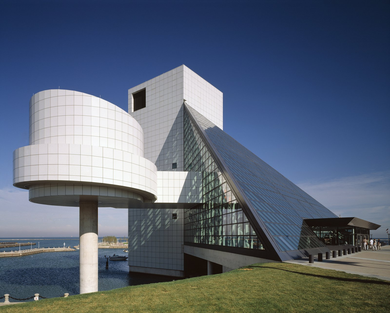 Rock and Roll Hall of Fame and Museum | Pei Cobb Freed & Partners